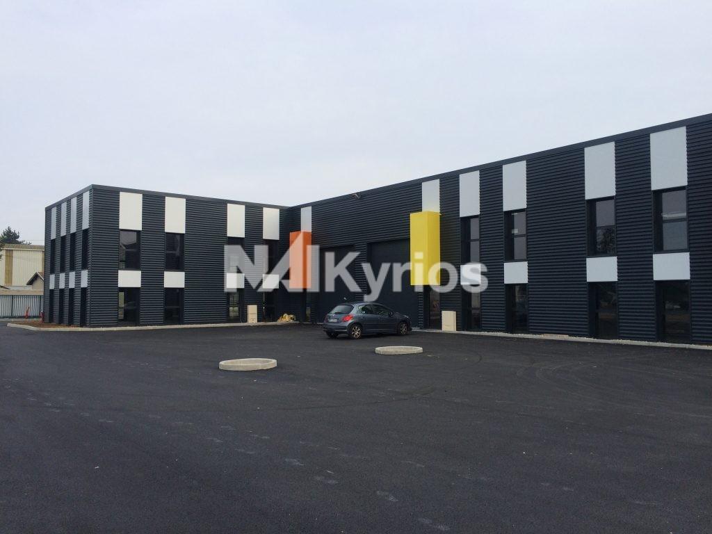 A VENDRE / A LOUER - Locaux d'activité neufs de 371 et 720 m² à CORBAS - Photo 1