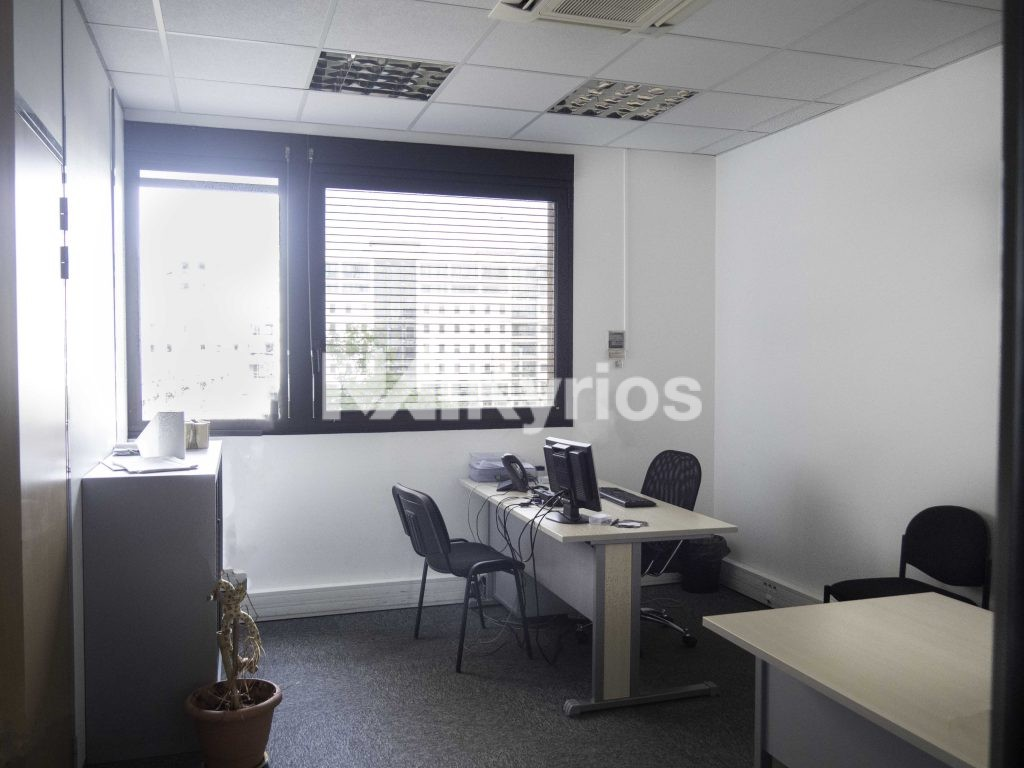'LE GEMELLYON' - A LOUER 1 178 m² de bureaux div. à partir de 121 m² à Lyon 3 - Photo 1