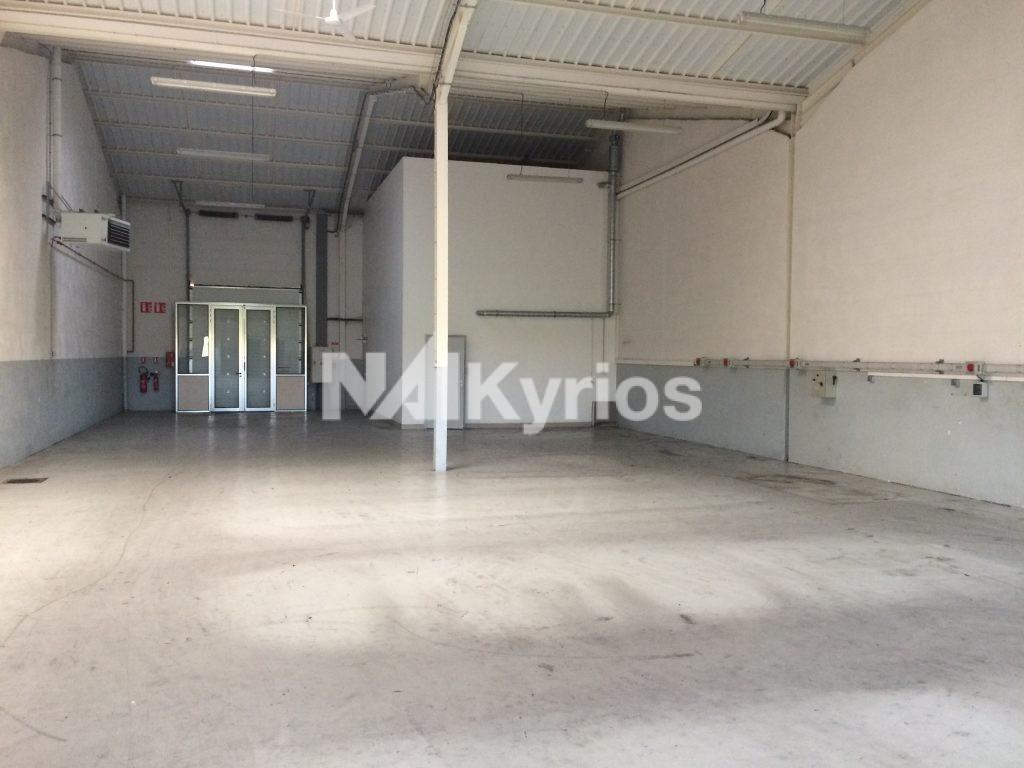 A LOUER Local d'activité de 348 m² à Meyzieu - Photo 1