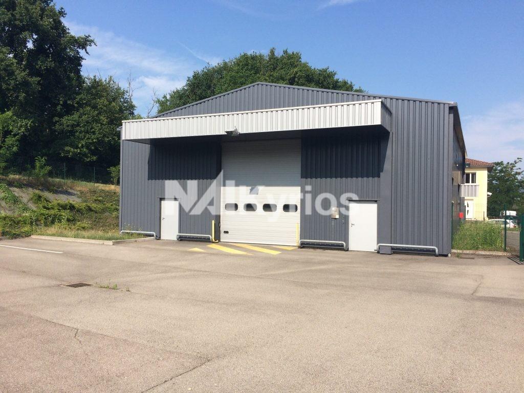 A LOUER Local d'activité de 417 m² sur terrain de 1 600 m² à Montmerle / Saône - Photo 1