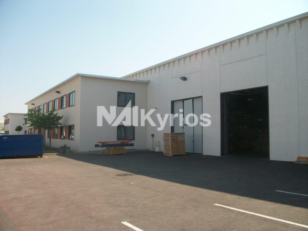 A LOUER - Local d'activité de 1 722 m² divisible à partir de 750 m² à MEYZIEU - Photo 1