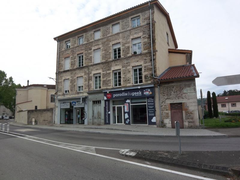 Vienne nord, Avenue Berthelot, local commercial ou professionnel  � louer