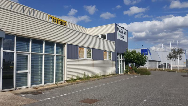 LOCAL COMMERCIAL DE 325 M2 IDEALEMENT SITUE - Photo 1