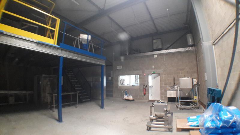 Cellule d'activités - 210 m² - Rennes SUD - Photo 1