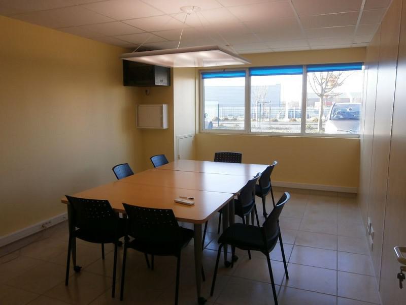 location bureaux rochecorbon 37210 90m2. Black Bedroom Furniture Sets. Home Design Ideas