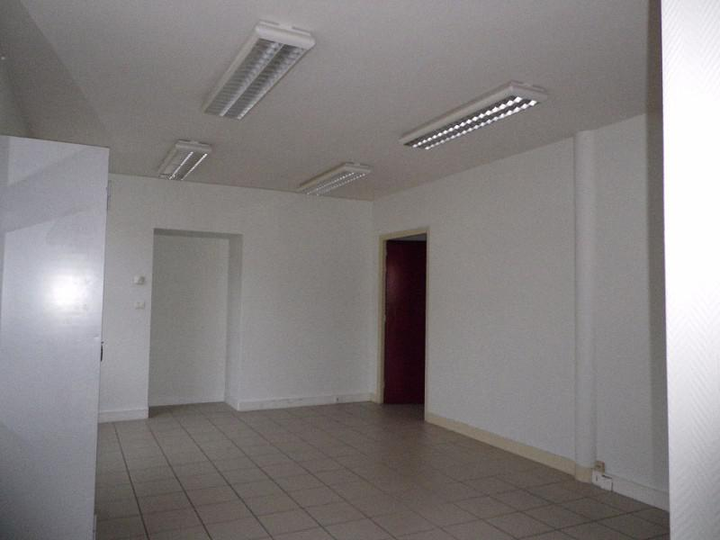 location bureaux saint avertin 37550 60m2. Black Bedroom Furniture Sets. Home Design Ideas