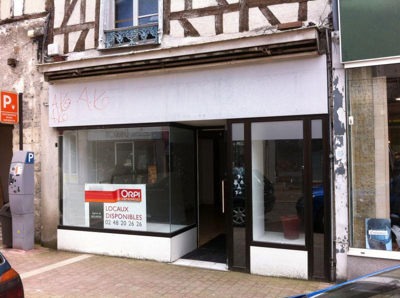 Local commercial Bourges 65 m² - Photo 1