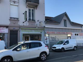 BRON Route de Genas - A LOUER : Local commercial de 140 m² en rdc(ex boulangerie) - Photo 1