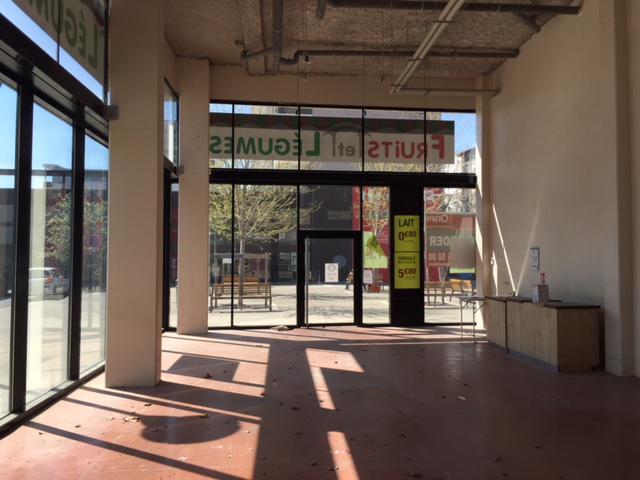 SAINT PRIEST - Centre - Local commercial à louer RDC 97.50m² - Photo 1