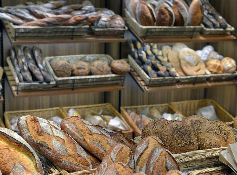 Boulangerie Pâtisserie traditionnelle en Centre-ville d'une agglomération de seine maritime, emplacement N°1 - Photo 1