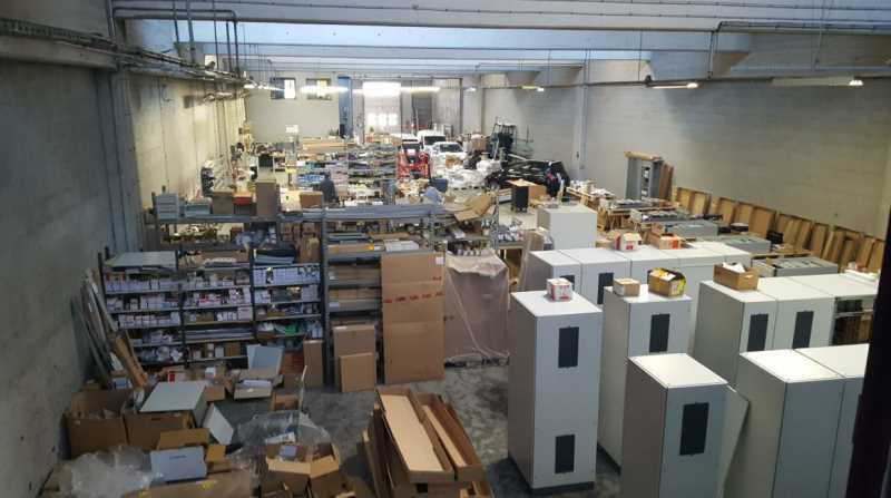 A VENDRE, Entrepôt/activité à vendre sortie A13 - Photo 1