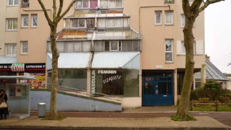 Location Commerces Guyancourt 78280 - Photo 1
