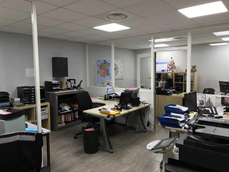 A LOUER, Petits bureaux fibrés - Photo 1