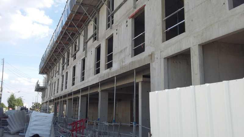 A LOUER, 300 logements en constructions au dessus - Photo 1