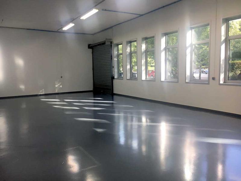 A LOUER, Surfaces de bureaux rénovés - Photo 1