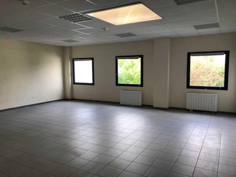 Location bureau jouy le moutier m² u bureauxlocaux