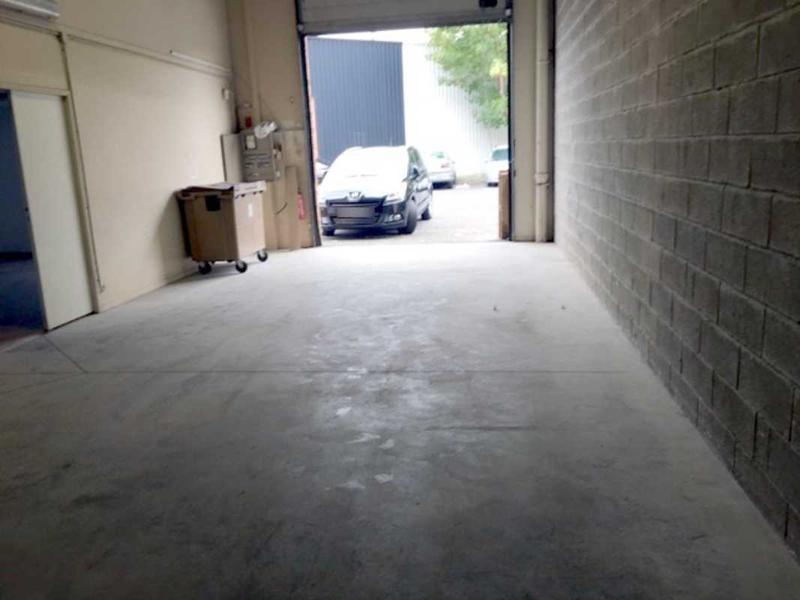 A LOUER, Local idéal pour stockage - manutentions - bureaux - Photo 1