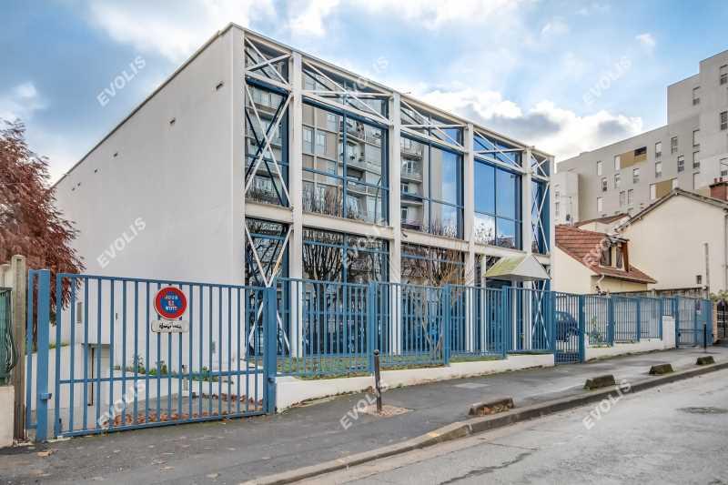 A VENDRE, Bâtiment mixte et indépendant - Photo 1