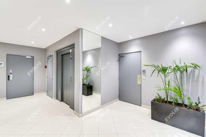 location bureaux clamart 92140 39m2. Black Bedroom Furniture Sets. Home Design Ideas