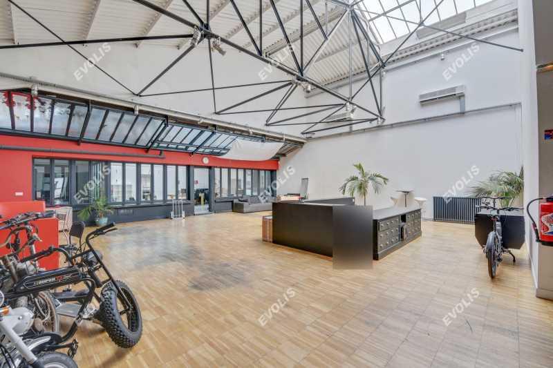 A LOUER, Locaux neufs et atypiques au centre de Montrouge - Photo 1