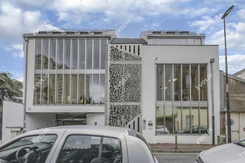 A LOUER, Bureaux atypiques dans un immeuble d'architecte - Photo 1