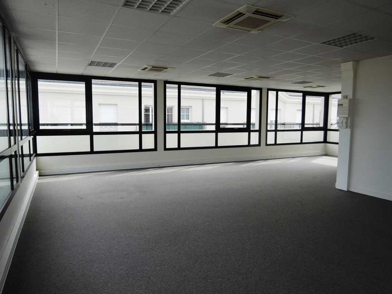 A VENDRE OU A LOUER, bureaux avec terrasse - Photo 1