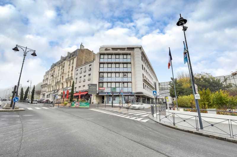 A LOUER, Au pied du RER E de Nogent - Le Perreux - Photo 1
