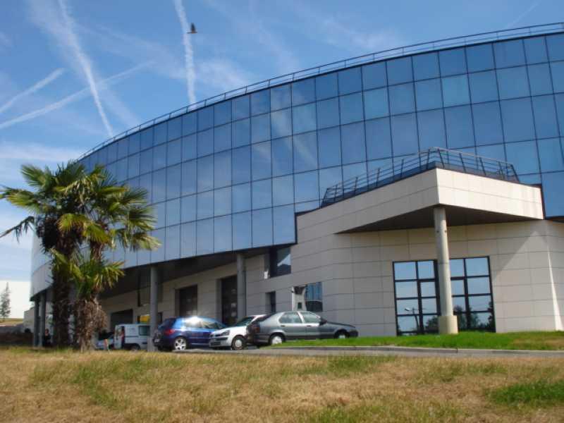 A LOUER, Immeuble neuf - Photo 1