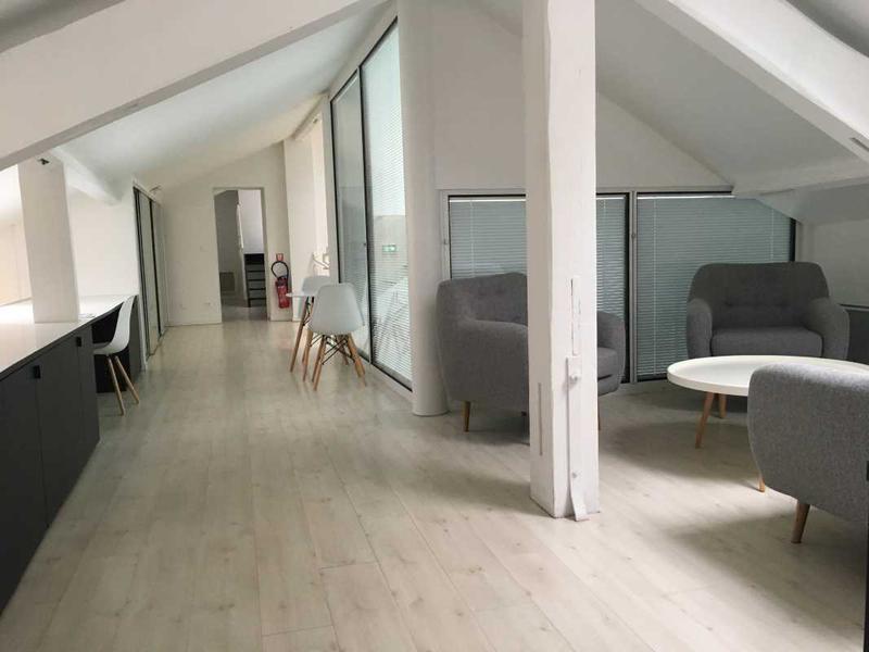 location bureaux suresnes 92150 64m2. Black Bedroom Furniture Sets. Home Design Ideas