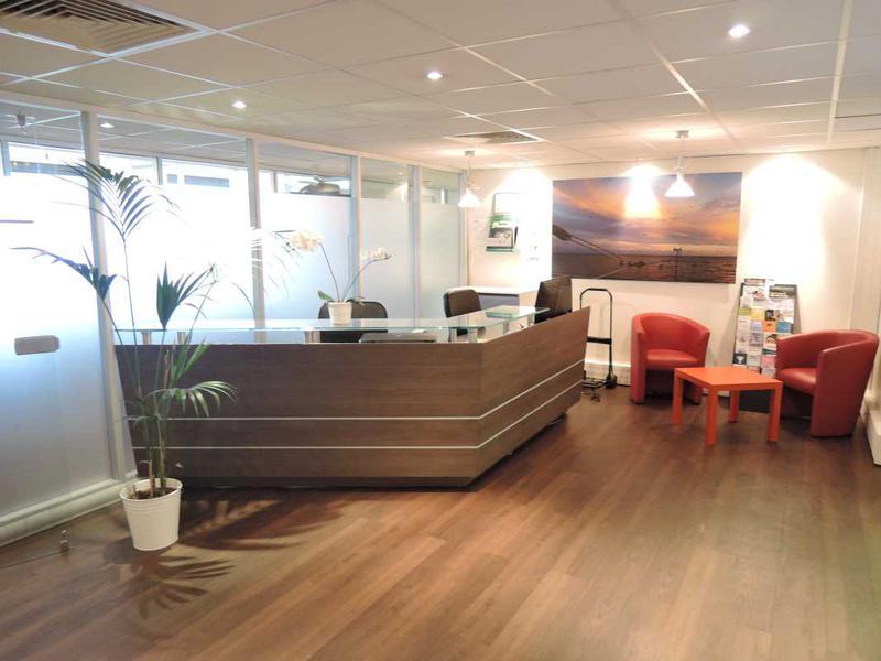 location bureaux saint cloud 92210 738m. Black Bedroom Furniture Sets. Home Design Ideas