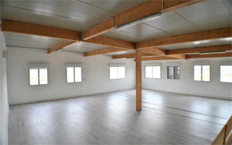 Beaux locaux d'activités / bureaux de 580m² dans ZAC dynamique - Photo 1