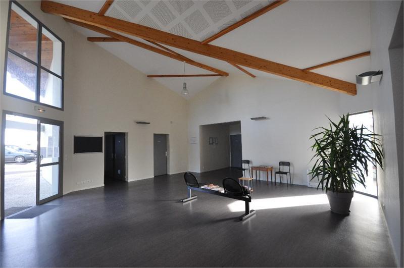 A louer pour indépendant ou grosse structure local bureau avec salle d'attente et sanitaire commun aux autres bureaux à seulement 10 miutes de Dax en automobile - Photo 1