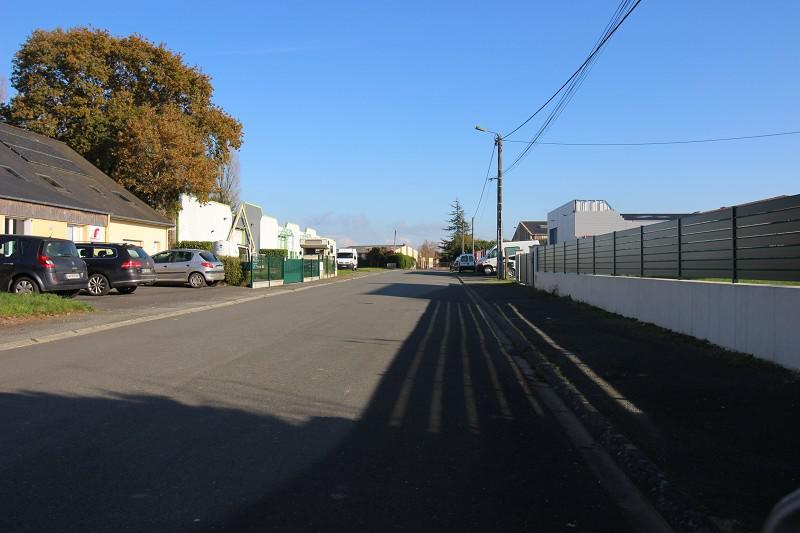 Au Nord de Rennes, un local d'activités d'environ 200 m², aménagé sur un foncier d'environ 1000 m² - Photo 1