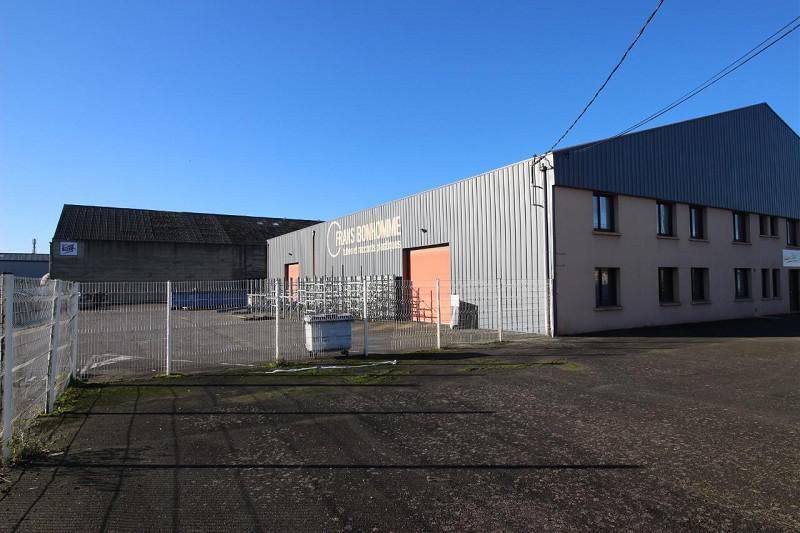 RARE, au coeur de la ZI LORIENT, un local d'activité d'environ 800 m², bureaux,  places de parking - Photo 1