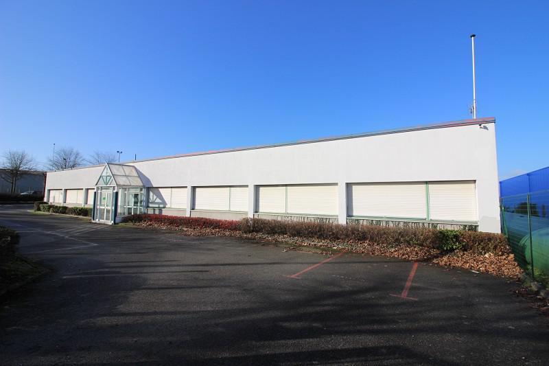 OPPORTUNITE AU CŒUR DE L'ECOPOLE SUD EST - Local industriel de 5 400 m² sur un foncier d'environ 9 000 m² - Photo 1