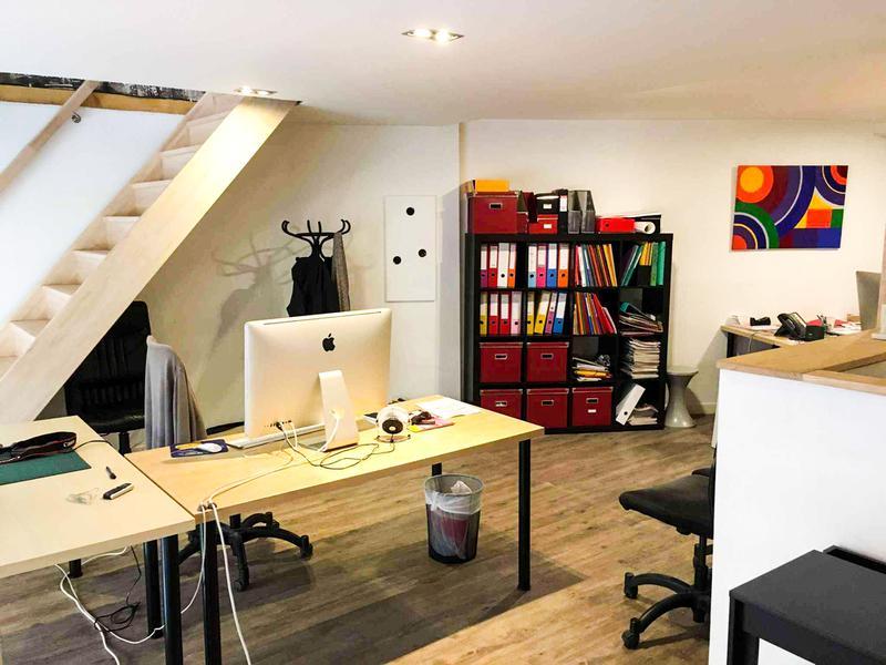 location bureaux cully 69130 34m2. Black Bedroom Furniture Sets. Home Design Ideas