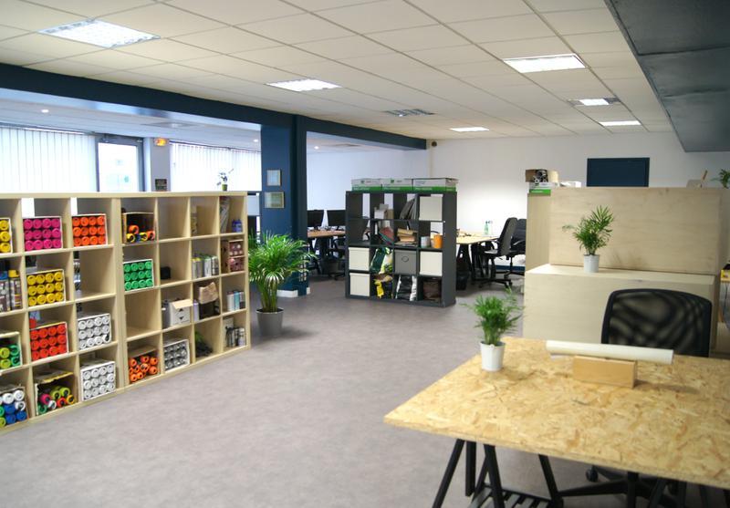 Poste de travail - Ambiance bureau partagé - Charpennes - Photo 1