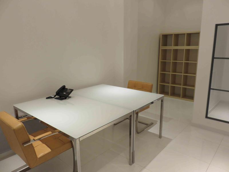 Bureaux fermés équipés - 10m² - 1 à 2 postes - Photo 1