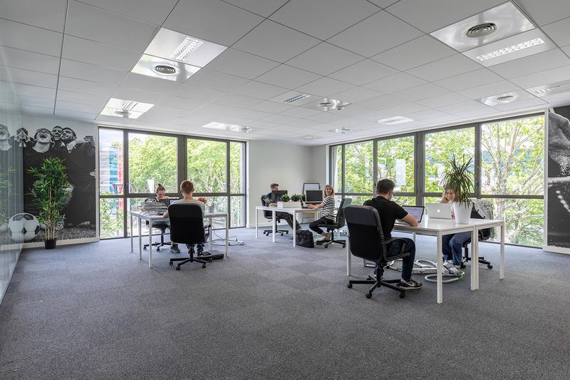 Bureaux privatisés de 30 à 56m² en colocation d'entreprises - Photo 1