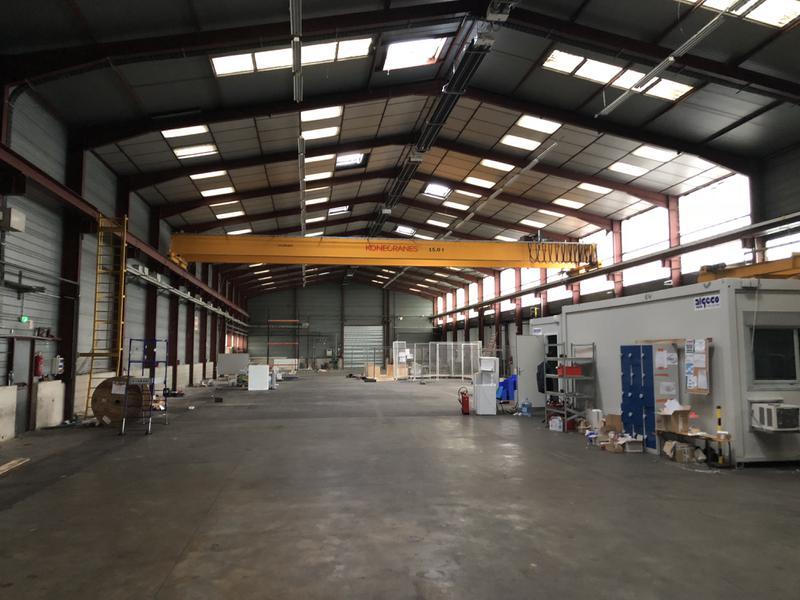 1400 m² d'entrepôt + pont roulant 15T, + quais - Photo 1