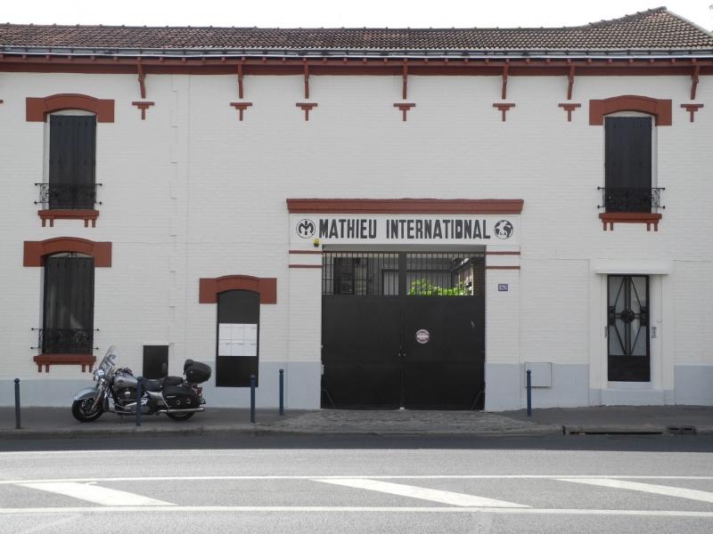 Locaux d'activité + bureaux - Photo 1