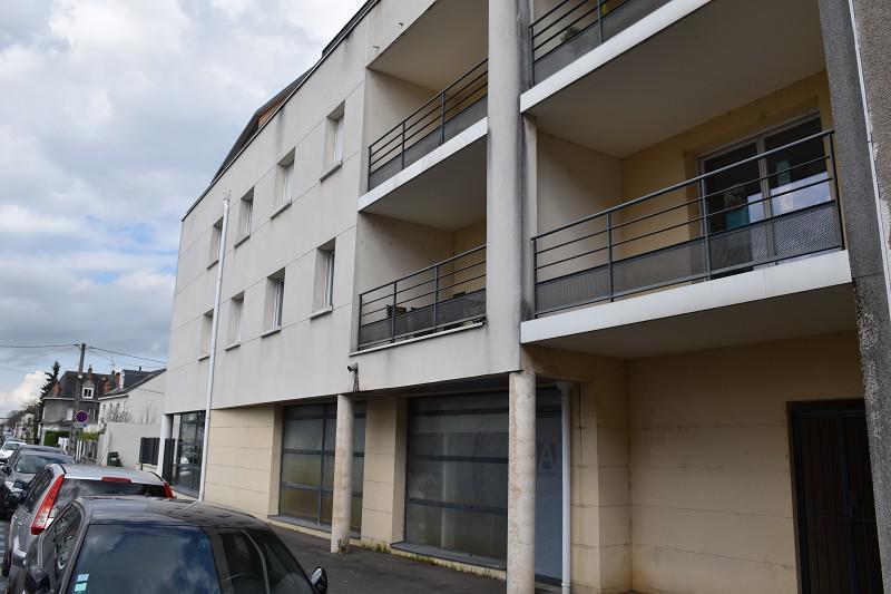 Saint-Pierre-des-Corps, bureaux à 5 mn à pied gare TGV en excellent état - Photo 1