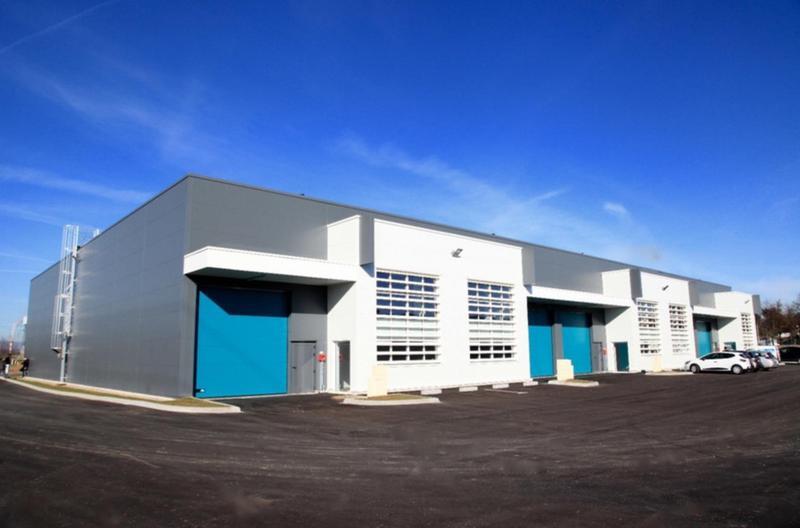 Venissieux, à louer / à vendre, une cellulle d'activités et bureaux neuve (BEFA) - Photo 1