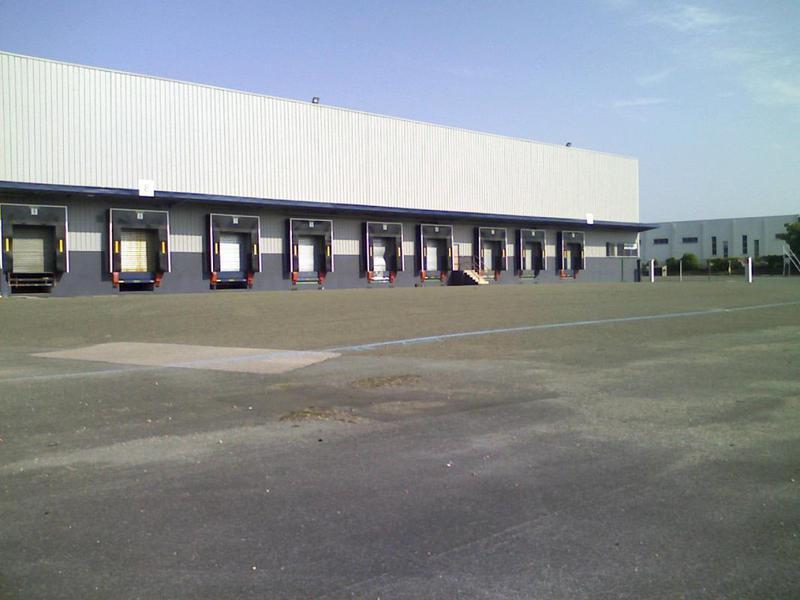 Entrepôt logistique de 15 500m² divisible à partir de 7 100m², visibilité A13 - Photo 1