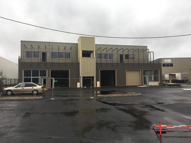 Bâtiment neuf de 975m² à usage d'entrepôt/activités et 258m² de bureaux - Photo 1