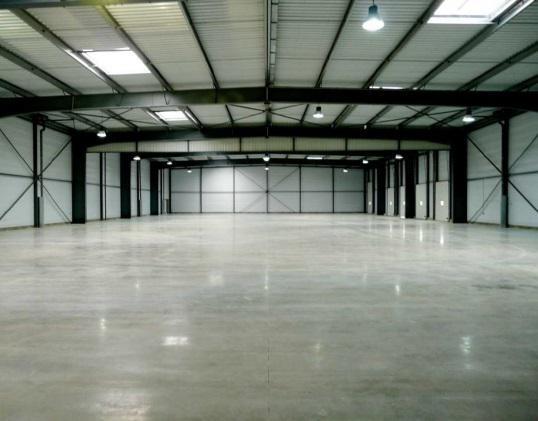 A louer bâtiment neuf divisible à partir de 440m² - Photo 1