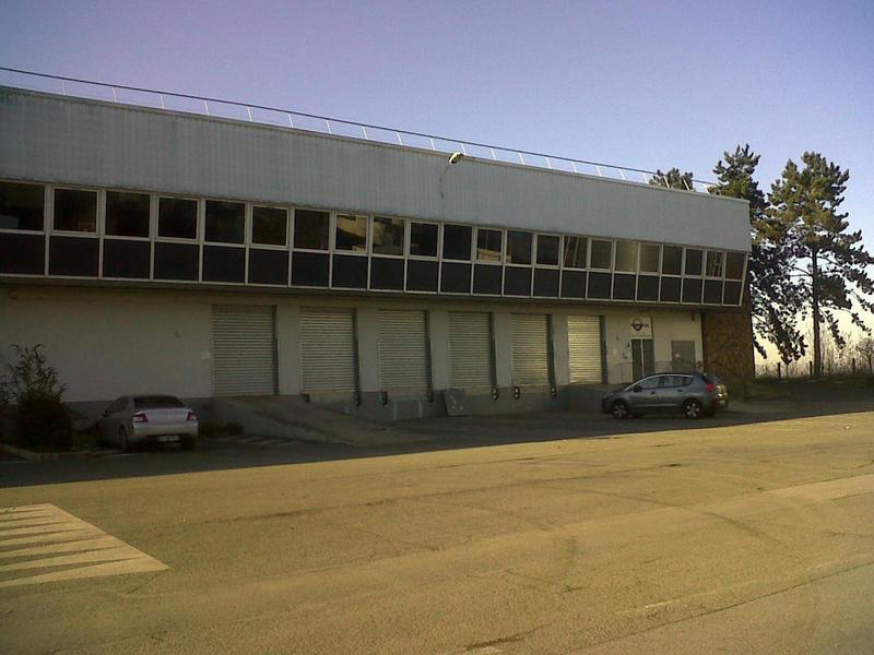A louer entrepôt MARLY-LA-VILLE - Photo 1
