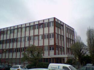 A LOUER - Plateaux de bureaux au sein de la zone SENIA - Photo 1