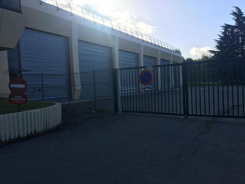 A louer entrepôt en zone de fret - Photo 1