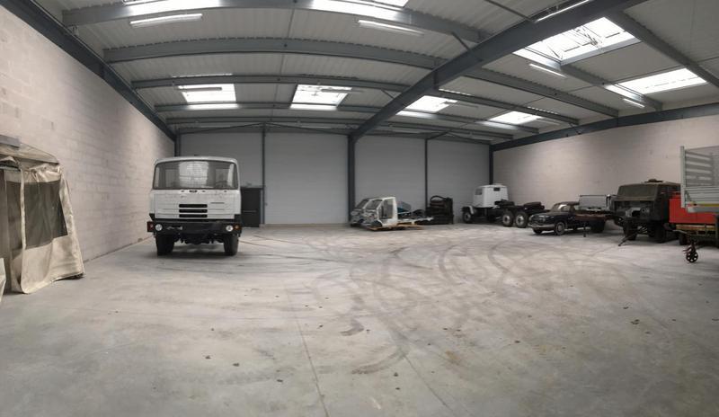 TRAPPES bordure N10, 388m² à usage d'entrepôt/showroom - Photo 1